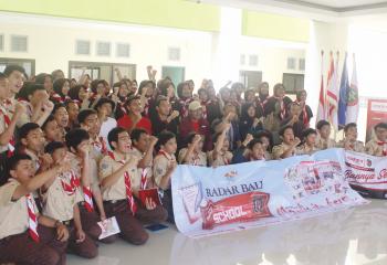Radar-Bali-Goes-to-School-with-Bali-United7
