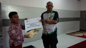 siswa albanna peduli asap Riau (3)(FILEminimizer)